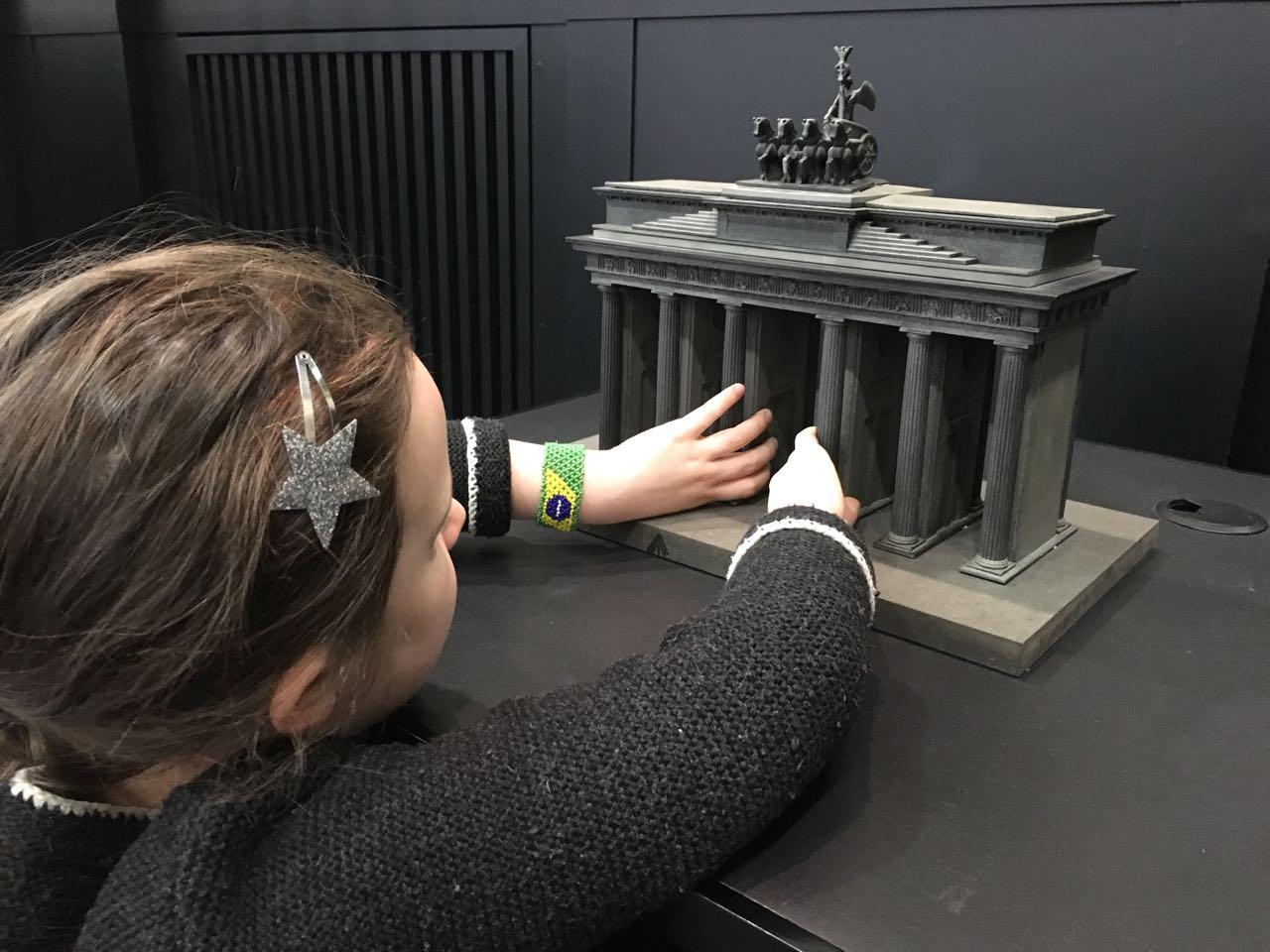 Ausstellung mit Brandenburger Tor zum Anfassen