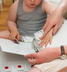 Vorbereitung auf die Blindenschrift: Übungen zur Sensibilisierung der Finger bis zum Erkennen der 6 Braille-Punkte